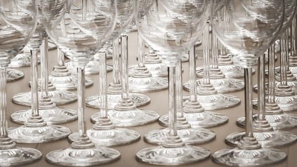 もう恥はかかない!ワイングラスの種類